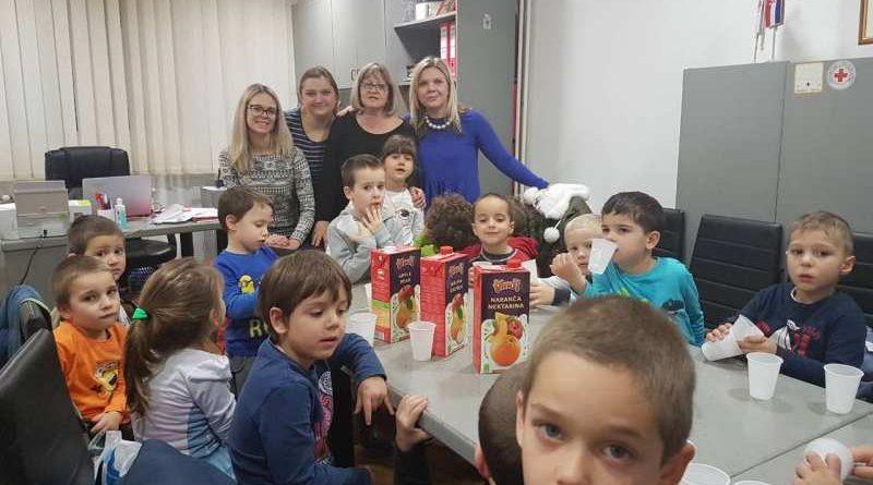 Djeca djeci i bakama